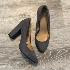 Target/A New Day faux suede gray heels Size 7.5